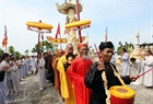 The rite of taking monks from the mainland to the island to carry out the requiem for the Hoang Sa Flotilla sailors who laid down their lives for protecting the national island sovereignty.