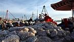 Cảng cá Phổ Thạch là nơi thu mua thủy sản của thương lái đến từ cáng vùng khác như: Đà Nẵng, TP Hồ CHí Minh, Quảng Nam….