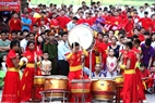 Drum beats create a rhythmic atmosphere at the festival. Photo: Tran Thanh Giang/VNP