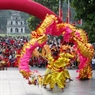 A powerful dragon dance. Photo: Tran Thanh Giang/VNP