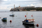 Barquitos de los pesqueros en la bahía de La Habana.