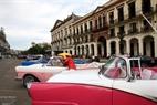 Un rasgo especial en las calles de La Habana es la presencia de los coches antiguos.