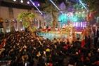 La catedral de Ham Long, en Hanoi, durante la Nochebuena..Foto: Thong Hai - VNP