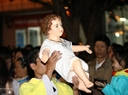 The procession ceremony of the Baby Jesus Statue at Thanh Tam Church in Dak Lak Province. Photo: Duong Giang  - VNA