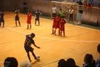 Participando en el torneo nacionale de fútbol para invidentes. Foto: Quy Trung