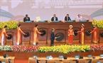 Chủ tịch Quốc hội Việt Nam Nguyễn Sinh Hùng đánh cồng khai mạc IPU-132. Ảnh: TTXVN
