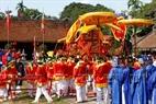 Kiệu văn làng Giá được rước từ Văn chỉ của làng đến Quán Giá để tế lễ.