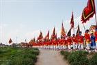 Đoàn rước Giá gồm hơn 500 nam giới trong làng chia làm 22 khối với trang phục riêng biệt.