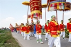 The procession consists of 500 men who are divided into 22 groups and wear different costumes.