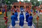 La cérémonie de sacrifice dans la cour Quan Gia lors de la fête du village.