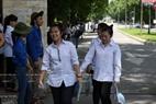 Niềm vui làm tốt bài thi của nhóm thí sinh tại điểm thi trường Đại học Bách khoa Hà Nội. Ảnh: Tất Sơn