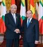 Thủ tướng Nguyễn Xuân Phúc hội kiến Tổng thống Htin Kyaw. Ảnh: Thống Nhất/TTXVN