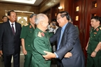 Cambodian Prime Minister Hun Sen meets with General Pham Van Tra, former Defence Minister of Vietnam and Vietnamese volunteer veterans in Cambodia during periods. Photo: Thanh Vu/VNA