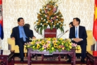 Le Secrétaire du Comité du Parti de Hô Chi Minh-Ville, Dinh La Thang en entrevue avec le  Premier ministre Samdech Hun Sen. Photo: Thanh Vu - AVI