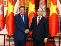From December 20-21, 2016, Cambodian Prime Minister Samdech Akeak Moha Sena Padey Techo Hun Sen paid an official visit to Vietnam. In the photo: Prime Minister Nguyen Xuan Phuc receives his Cambodian counterpart Hun Sen at the Government's Headquarters. Photo: Thong Nhat/VNA