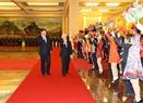 El secretario general del PCV Nguyen Phu Trong y el secretario general del PCCh y presidente Xi Jinping en la ceremonia de bienvenida. Foto: Tri Dung – VNA