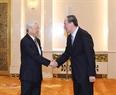 El secretario general del PCV Nguyen Phu Trong sostiene un encuentro con el secretario de la Comisión del Comité Central del Partido Comunista de China, Wang Qishan. Foto: Ti Dung – VNA