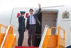 ໂດຍຕອບສະໜອງຕາມຄຳເຊື້ອເຊີນຂອງທ່ານ ເຈີ່ນດ້າຍກວາງ, ປະທານປະເທດແຫ່ງ ສສ. ຫວຽດນາມ ແລະ ພັນລະຍາ,  ຄະນະຜູ້ນຳຂັ້ນສູງພື້ນຖານເສດຖະກິດ ການາດາ ໂດຍທ່ານ Justin Trudeau, ນາຍົກລັດຖະມົນຕີ ການາດາ ນຳໜ້າ ເຂົ້າຮ່ວມສັບປະດາ ຂັ້ນສູງ APEC 2017 ທີ່ນະຄອນ ດ່າໜັງ. ວັນທີ 10 ພະຈິກ 2017, ທ່ານ ຟຸ່ງຊວນຫຍ້າ, ລັດຖະມົນຕີ ກະຊວງສຶກສາທິການ ໄດ້ມາຕ້ອນຮັບຄະນະ ທີ່ສະໜາມບິນສາກົນ ດ່າໜັງ. ພາບ: VNA