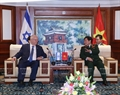 President Reuven Rivlin and Defence Minister General Ngo Xuan Lich, Deputy Defence Minister Senior Lieutenant General Nguyen Chi Vinh attend a defence industry forum between Vietnam and Israel. Photo: VNA