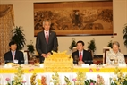 The Singaporean Prime Minister speaks at the banquet hosted by the Ho Chi Minh City's leaders. Photo: Thanh Vu/VNA