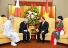 Prime Minister Nguyen Xuan Phuc and his wife meet with Emperor Akihito and Empress Michiko. Photo: Thong Nhat/VNA