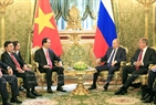 President Tran Dai Quang, his wife and the high-ranking delegation from Vietnam, paid official visits to Russia and Belarus from 26 June to 1 July 2017 at the invitation of Russian President Vladimir Putin and Belarusian President Alexander Lukashenko. In the afternoon of June 29, 2017, Vietnamese President Tran Dai Quang met with his Russian counterpart V. Putin and the two leaders attended the signing ceremony of the cooperation documents between Vietnam and Russia. Photo: Nhan Sang / VNA