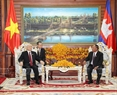 Vietnam always attaches importance to and has continuously enhanced the solidarity, traditional friendship and comprehensive cooperation with Cambodia, said Party General Secretary Nguyen Phu Trong. The Party chief made the affirmation while meeting with Honorary President of the Cambodian People's Party (CPP) and President of the National Assembly Heng Samrin in Phnom Penh on July 20 as part of his State visit to the neighbouring country. Photo: Tri Dung/VNA