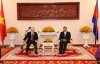 Tại Trụ sở Thượng viện ở Thủ đô Phnom Penh, Tổng Bí thư Nguyễn Phú Trọng hội kiến với Chủ tịch Thượng viện Campuchia Samdech Say Chhum. Ảnh: Trí Dũng / TTXVN