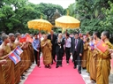 Cũng trong sáng 21/7/2017, tại Chùa Svay Pope ở Thủ đô Phnom Penh, Tổng Bí thư Nguyễn Phú Trọng thăm Đại Tăng thống Bukri. Ảnh: Trí Dũng / TTXVN