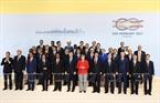 2017年7月7日、グエン・スアン・フック首相はドイツのハンブルクで開かれる20カ国・地域(G20)首脳会議に出席した。写真説明:グエン・スアン・フック首相と各団長。撮影:トン・ヌアットーベトナム通信社