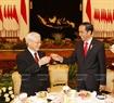Trưa cùng ngày, tại Phủ Tổng thống, Tổng thống Indonesia Joko Widodo đã tổ chức chiêu đãi chào mừng Tổng Bí thư Nguyễn Phú Trọng và Đoàn Đại biểu cấp cao Việt Nam sang thăm chính thức Indonesia . Ảnh: Trí Dũng/TTXVN