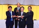 VietjetAir航空会社の日本への飛行経路の落成式に出席するグエン・スアン・フック首相。撮影:トン・ニャットーベトナム通信社