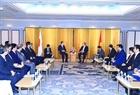 日本訪問のエリアにおいて、2018年10月8日の午後、東京で、グエン・スアン・フック首相は二階 俊博ベ日越友好議員連盟会長と会見した。撮影:トン・ニャットーベトナム通信社