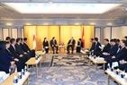 日本訪問のエリアにおいて、2018年10月8日の午前、東京で、イオン株式会社取締役兼代表執行役社長グループCEOの岡田 元也氏と会見するグエン・スアン・フック首相。撮影:トン・ニャットーベトナム通信社