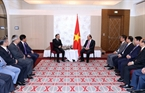 The Vietnamese Prime Minister received representatives of the Union of Vietnamese associations in Europe and the Vietnamese association in Czech on October 15. Photo: Thong Nhat/VNA