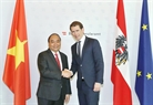 At the invitation of Chancellor of Austria Sebastian Kurz, Prime Minister Nguyen Xuan Phuc paid an official visit to the European country from October 14-16. Chancellor of Austria Sebastian Kurz received and held talks with the Vietnamese Prime Minister in Vienna on October 15. Photo: Thong Nhat/VNA