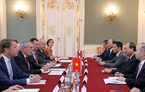 Prime Minister Phuc met with Austrian President Alexander Van der Bellen in Vienna on October 15. Photo: Thong Nhat/VNA