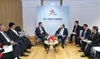 El primer ministro Nguyen Xuan Phuc se reunió  con el primer ministro de Eslovenia, Marjan Sarec. Foto: Thong Nhat - VNA