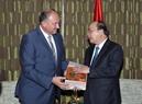 El 16 de octubre, el primer ministro Nguyen Xuan Phuc recibió al Ministro Presidente de la Región de Valonia, Willy Borsus. Foto: Thong Nhat - VNA