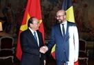 El 16 de octubre de 2018 (hora local), en el Palacio Egmont en Bruselas, el primer ministro de Bélgica, Charles Michel, recibió y sostuvo conversaciones con  su homólogo vietnamita, Nguyen Xuan Phuc. Los dos premieres presenciaron la firma de los documentos de cooperación entre los dos países y, se reunieron con la prensa después de las conversaciones. Foto: Thong Nhat - VNA