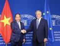 El mismo día, el primer ministro Nguyen Xuan Phuc se reunió con el presidente del Parlamento Europeo (PE), Antonio Tajani. Foto: Thong Nhat - VNA