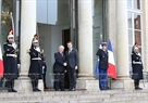 At the invitation of French President Emmanuel Macron, General Secretary of the Communist Party of Vietnam Central Committee Nguyen Phu Trong and a Vietnamese high ranking delegation paid an official visit to the French Republic on March 25-27. The Party chief held talks with French President Emmanuel Macron at the Élysée Palace in Paris on March 27. In the photo: French President Emmanuel Macron receives Party General Secretary Nguyen Phu Trong. Photo: Tri Dung  / VNA