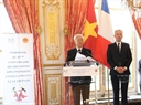 The Vietnamese Party General Secretary and the President of the French National Assembly attended the 45th anniversary of Vietnam-France diplomatic ties. In the photo: Party General Secretary Trong delivers a speech. Photo: Tri Dung / VNA