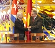 Party General Secretary Nguyen Phu Trong and First Secretary of the Central Committee of the Communist Party and President of Cuba Raul Castro Ruz after the signing ceremony. Photo: Tri Dung/VNA