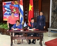 The Ho Chi Minh Communist Youth Union and the Young Communist League of Cuba signed a cooperation agreement to boost youth exchange and cooperation activities in the presence of the two countries' leaders in Havana on March 29. Photo: Tri Dung/VNA