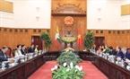 Cố vấn Nhà nước, Bộ trưởng Ngoại giao và Bộ trưởng Văn phòng Tổng thống Myanmar Aung San Suu Kyi phát biểu trong cuộc hội đàm với Thủ tướng Chính phủ Nguyễn Xuân Phúc tại Trụ sở Chính phủ, chiều 19/4. Ảnh: Thống Nhất / TTXVN