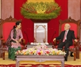 Party General Secretary Nguyen Phu Trong on April 20 received Myanmar State Counsellor, Minister for Foreign Affairs and Minister of the President's Office Aung San Suu Kyi on the occasion of  the latter's official visit to Vietnam. Photo: Tri Dung/VNA