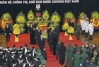 The leaders and former leaders of the Party and State pay their last respects to President Tran Dai Quang. Photo: VNA