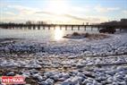 Погода первых дней зимы является идеальным условием для местных жителей прогуляться и исследовать естественную красоту