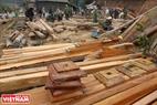 Plantillas de madera para las columnas. Foto: Thong Thien